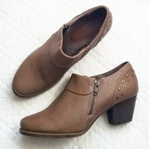 Naturalizer brown studded vegan ankle boots